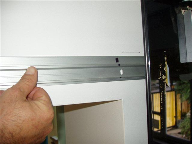 Binario divina scorrevole alluminio per porta in legno da - Porta scorrevole esterno muro fai da te ...