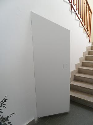 Porta rasomuro con serratura invisibile filo muro sistemi - Porte lualdi rasomuro ...