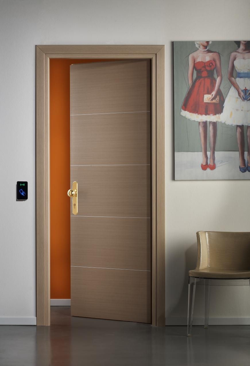 Porte Rei per Hotel REI 45 con scheda elettronica per l&#039 ...