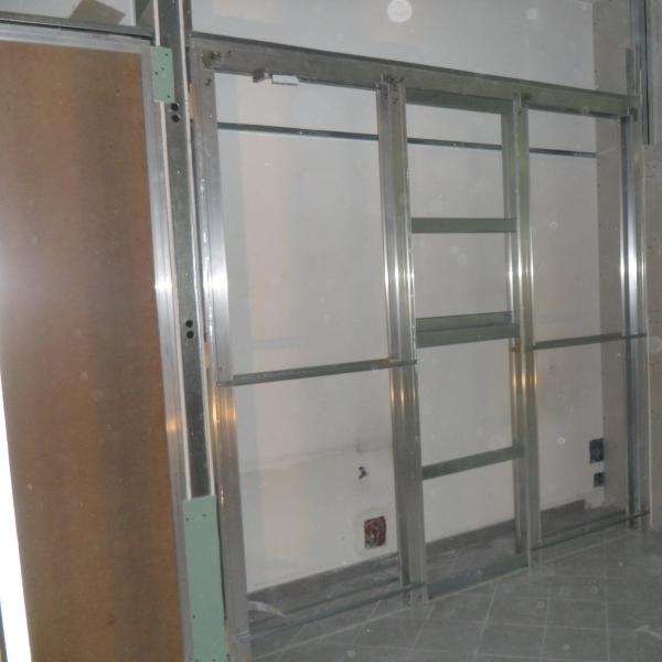 Porta filomuro rasomuro 80 x 240 con serratura invisibile ebay - Parete in cartongesso con porta ...